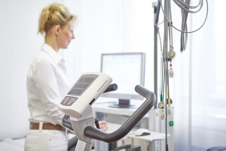 Belastungs-EKG Check-Up Programm Mann